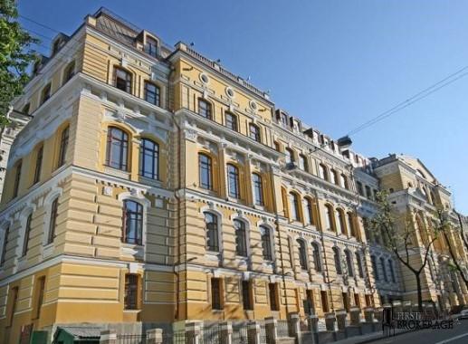 Bulvarno-Kudriavska St, 24